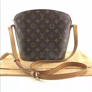 Authentic Louis Vuitton  drout crossbody Bag